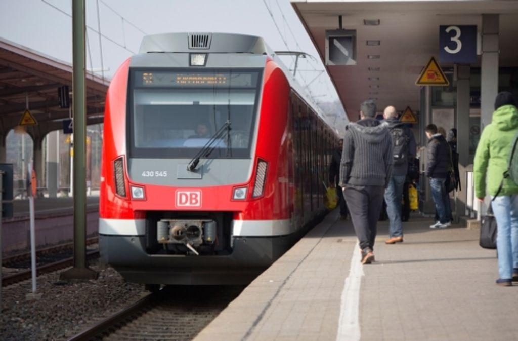 Die neue S-Bahn ET 430 hat mit ihrem nicht funktionierenden Schiebetritt für viel Ärger gesorgt. Foto: Michael Steinert