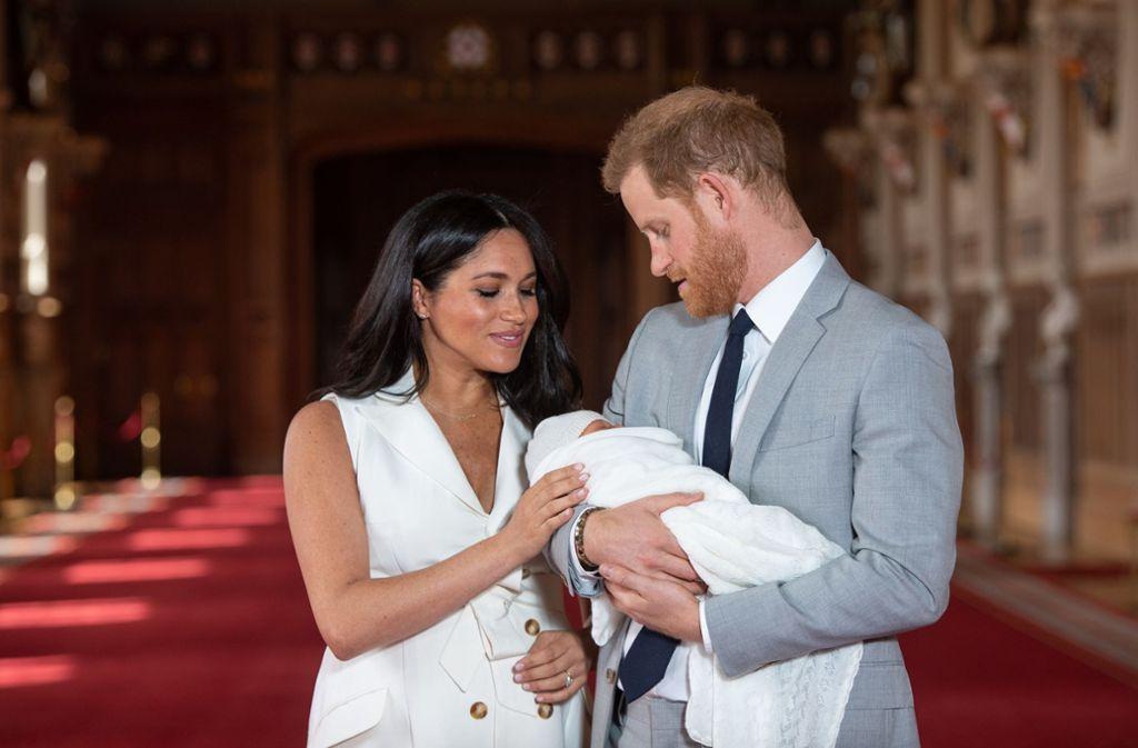 Das Bild, auf das die Welt gewartet hat: Herzogin Meghan und Prinz Harry mit ihrem Sohn. Foto: Getty Images