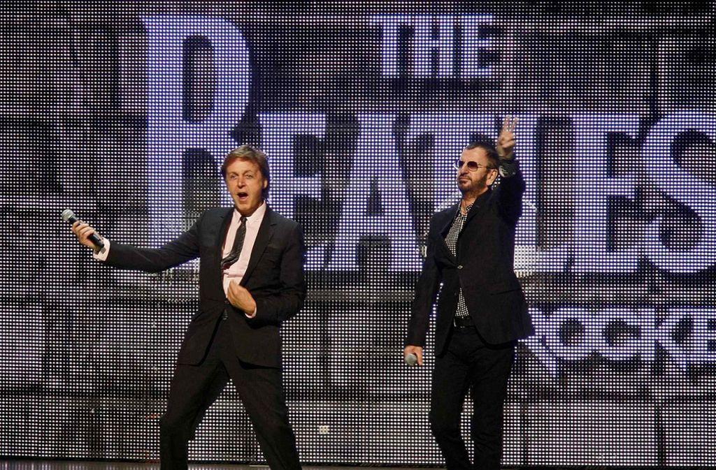 Paul McCartney und Ringo Starr (rechts) standen zusammen auf der Bühne (Archivbild). Foto: AP