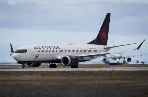 Crew vergisst schlafende Passagierin an Bord von Flugzeug