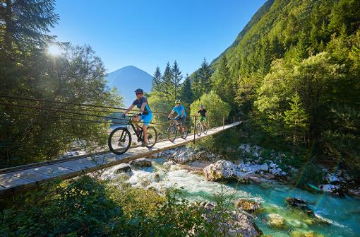 Auch Radfahrer finden durch die landschaftliche Vielfalt in Slowenien stets ihre persönliche Lieblingsroute.