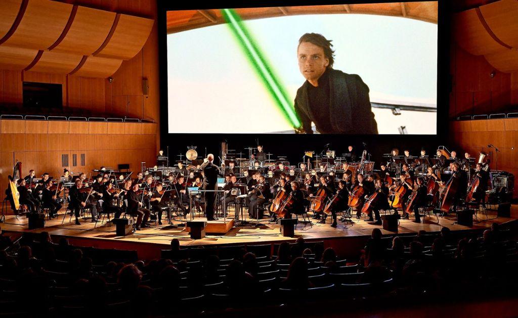 """Die Veranstaltungsreihe """"Star Wars in Concert"""" wird wegen Corona erst 2021 in der Stuttgarter Liederhalle gezeigt. Die Vorfreude der Science-Fiction-Saga-Fans steigt nun noch mehr. Foto: Stuttgartkonzert"""