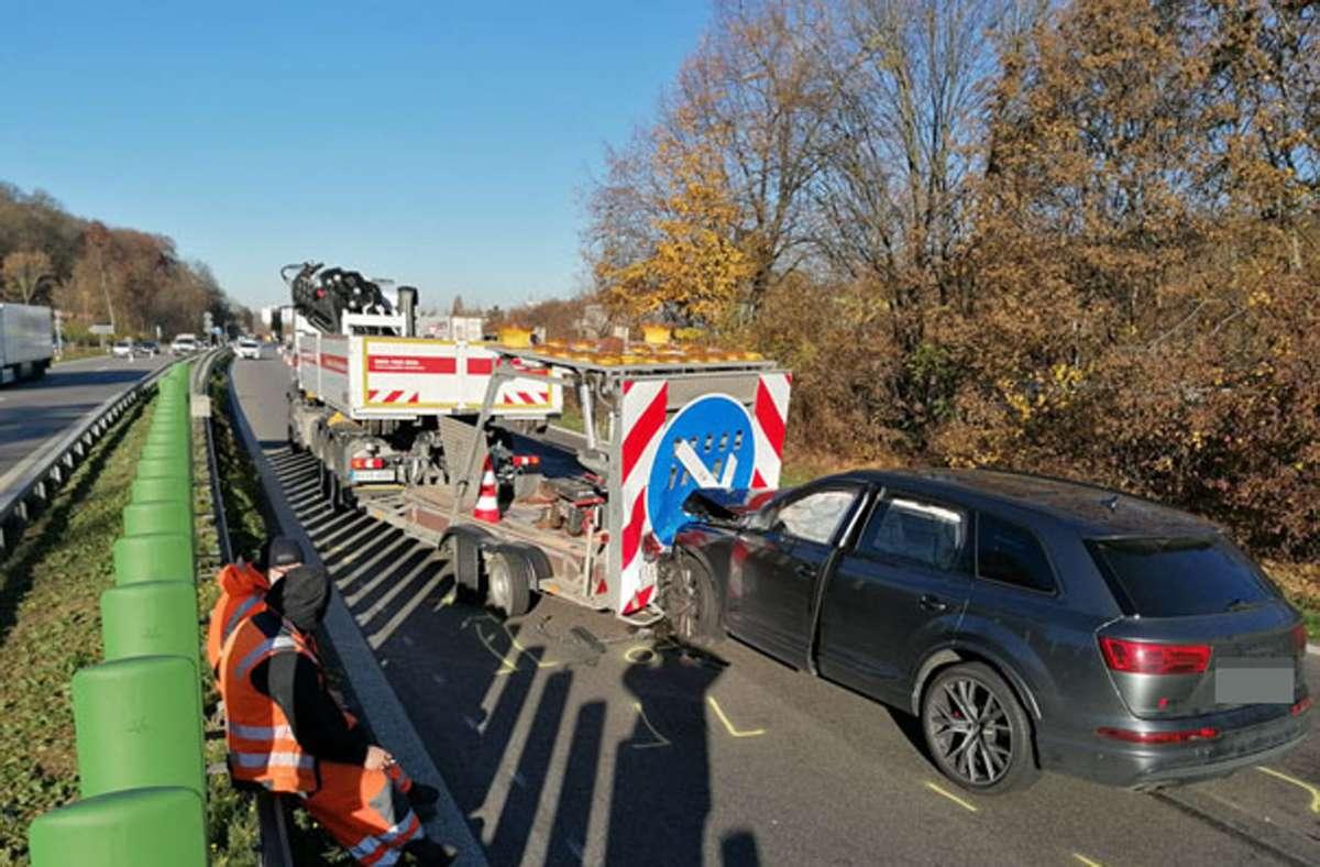 Der Unfall hat sich auf der B10 bei Zuffenhausen ereignet. Foto: Andreas Rosar/Fotoagentur Stuttgart