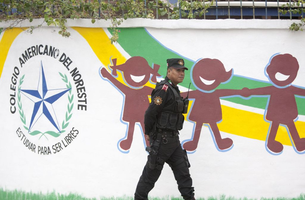 In dieser Schule im Norden Mexikos hat ein Schüler um sich geschossen. Foto: AFP