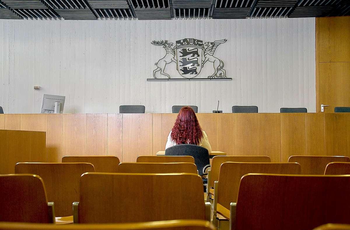 Damit Zeugen nicht auf sich allein gestellt und ängstlich sind, stehen ihnen Prozessbegleiter zur Seite. Foto: Prävent Sozial