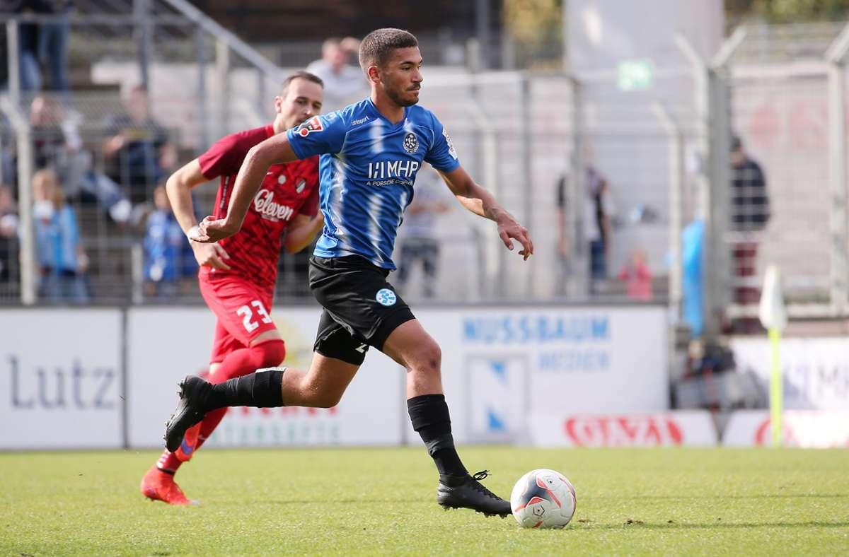 Leon Braun verlässt die Stuttgarter Kickers . Foto: Baumann