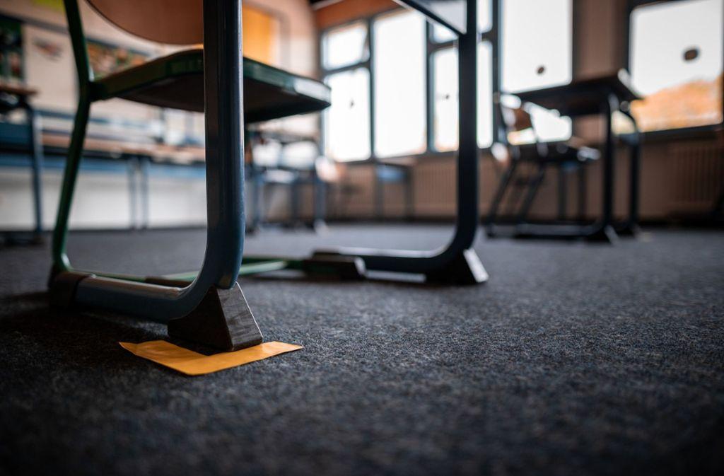 In Baden-Württemberg soll aufgrund der Corona-Krise kein Schüler sitzenbleiben. Foto: dpa/Fabian Strauch