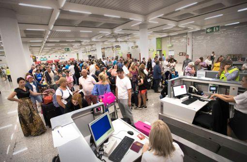 Hunderttausende Reisende gestrandet