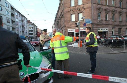 42-Jähriger rast mit Auto in Café