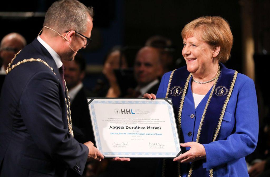 In Leipzig hat Angela Merkel die  Ehrendoktorwürde verliehen bekommen. Foto: dpa