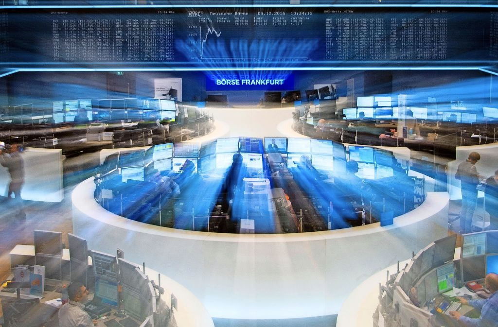 In Frankfurt bleibt die neue Wirtschaftspolitik unter Trump bestimmendes Thema. Foto: dpa