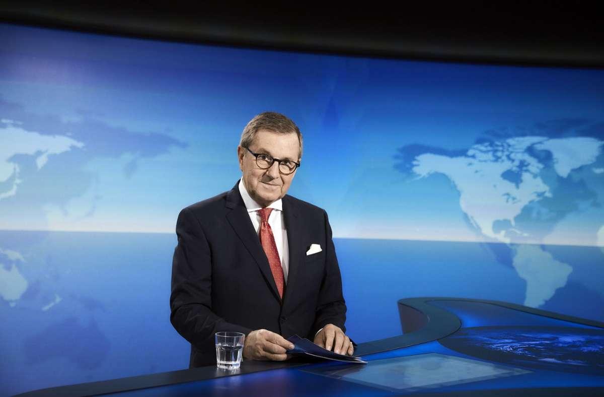 """Jan Hofer verabschiedet sich als Chefsprecher der """"Tagesschau"""", aber nicht von der Bildfläche. Foto: dpa/Hendrik Lüders (BFF)"""
