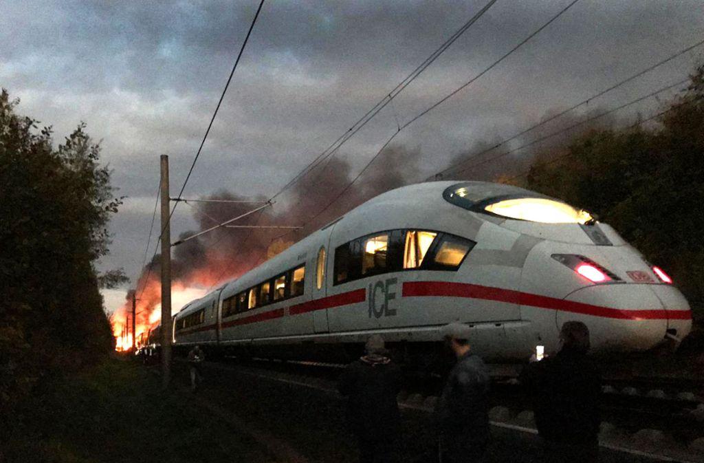 Der brennende ICE bei Montabaur Mitte Oktober wirft auch Fragen bezüglich S 21 auf. Foto: dpa