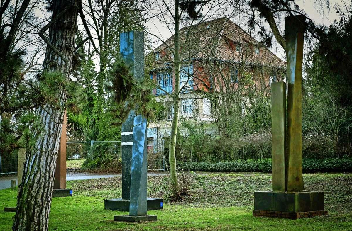 Schattendasein: Hajek-Villa und Skulpturen am Hasenberg Foto: Lichtgut/Achim Zweygarth