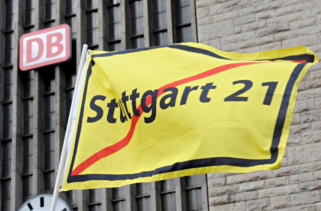 Der Rückzug von Vorstand Volker Kefer entbindet die Bahn aus Sicht des Landes Baden-Württemberg nicht von umfassender Information über den Stand des Großprojektes Stuttgart 21. Foto: dpa