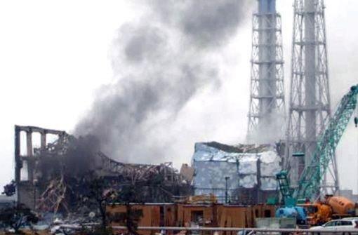 Schwarzer Rauch über Reaktor 3