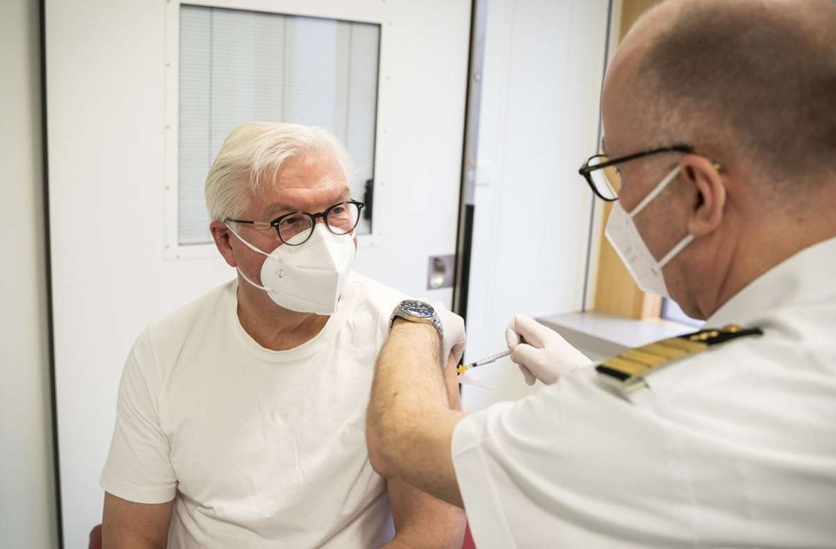 Hat eine erste Corona-Schutzimpfung bekommen: Frank-Walter Steinmeier Foto: dpa/Steffen Kugler