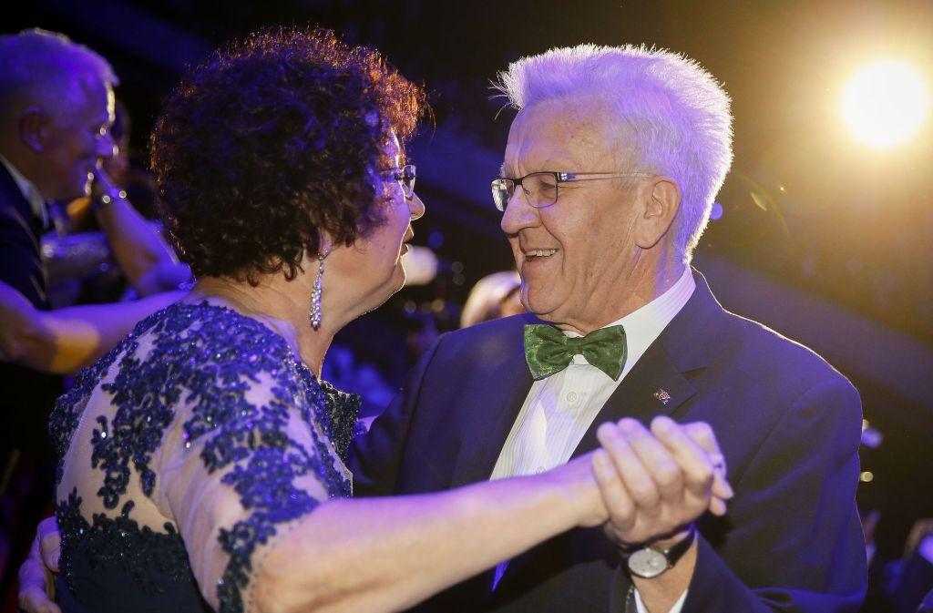 Ministerpräsident Winfried Kretschmann tanzt mit seiner Frau Gerlinde. Foto: Lichtgut/Leif Piechowski