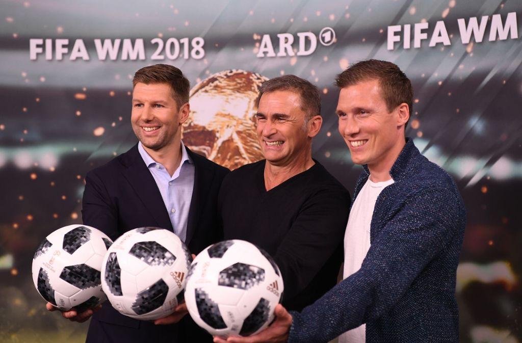 Thomas Hitzlsperger (links), Stefan Kuntz (Mitte) und Hannes Wolf sind die Experten der ARD rund um die Fußball-WM. Foto: Bongarts