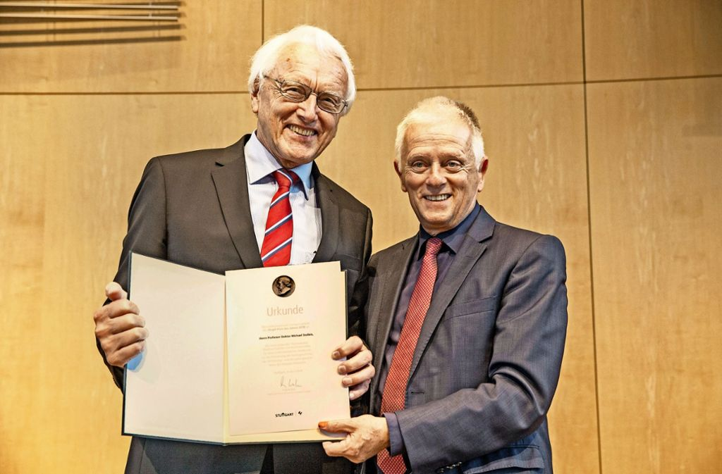 Michael Stolleis und  OB Kuhn Foto: LG