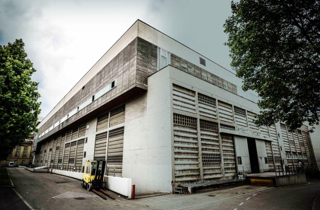 Das Kulissengebäude der Staatstheater aus den 60er-Jahren. Foto: Lichtgut/Leif Piechowski
