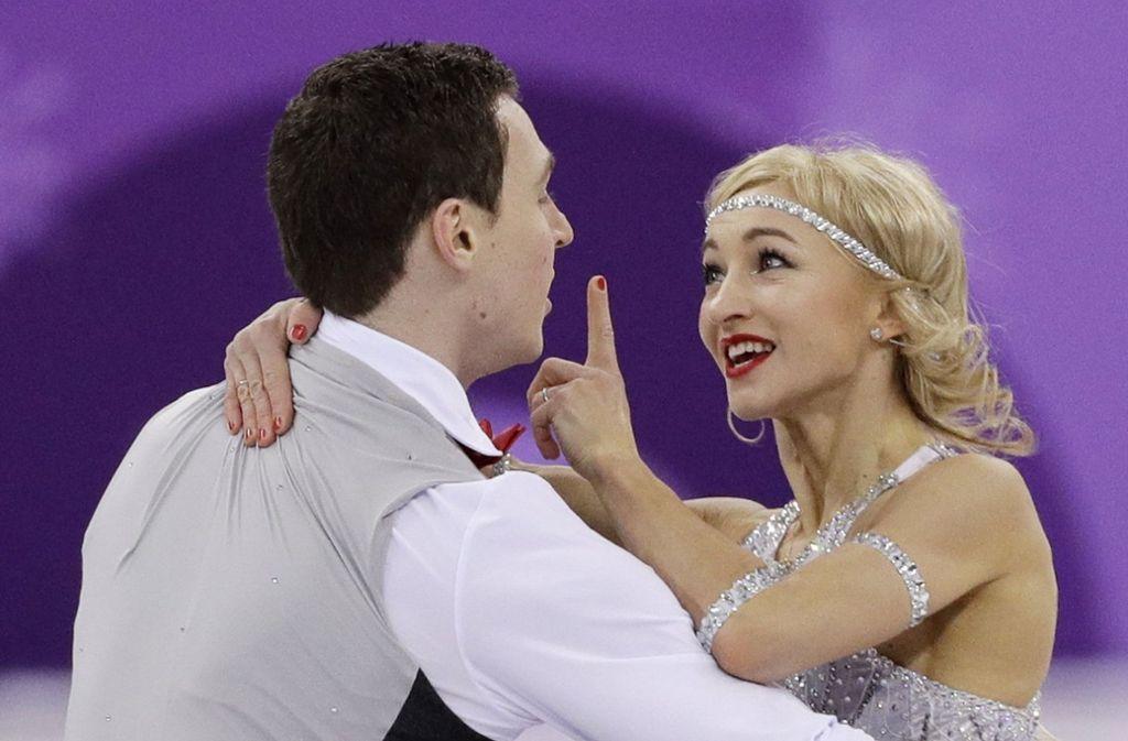 Aljona Savchenko (rechts) sehnt sich nach einer Goldmedaille bei Olympia 2018. Foto: dpa
