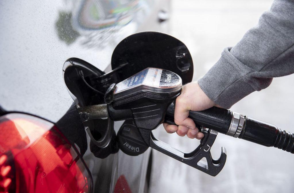 Die Diesel-Auswahl an den deutschen Tankstellen bleibt eingeschränkt. Foto: dpa/Felix König