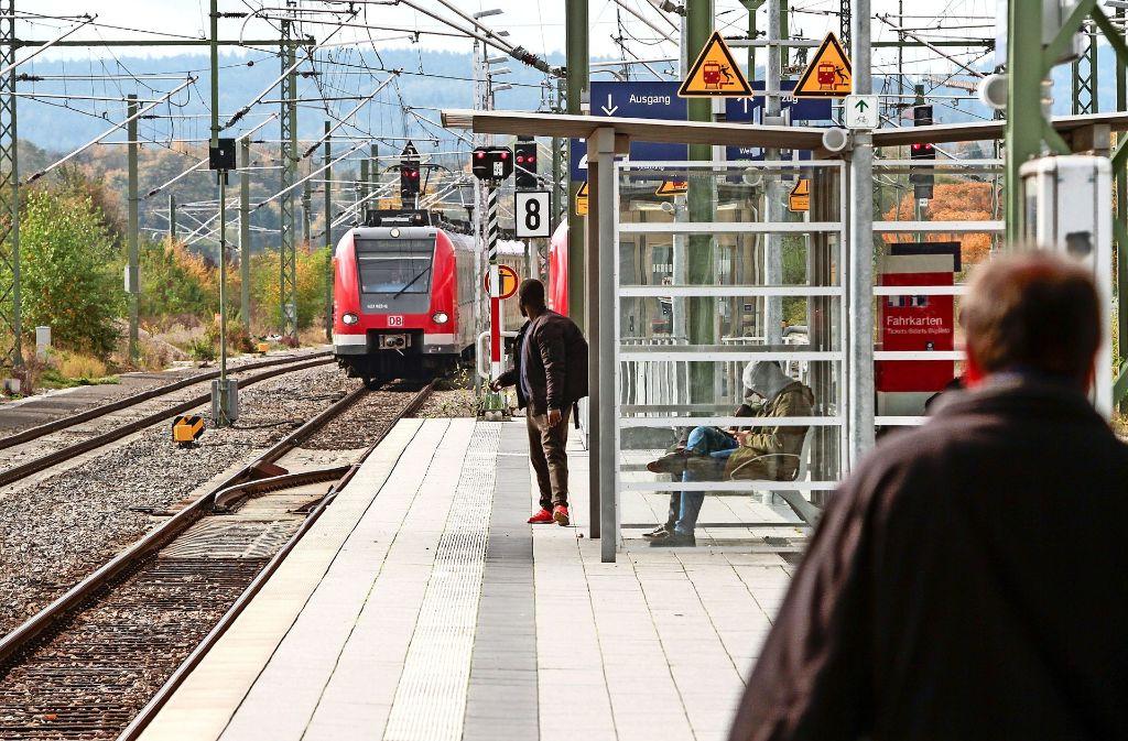 Dem Bahnhof in Renningen stünden einige Veränderungen bevor, falls die Hesse-Bahn dort ihren Endhalt bekommt. Foto: factum/Bach