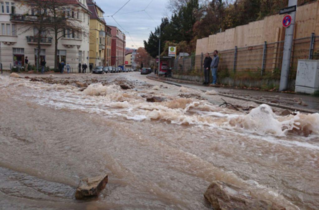 Ein Wasserrohrbruch im Stuttgarter Osten war am Wochenende nur einer von vielen. Foto: Fotoagentur-Stuttgart Andreas Rosar