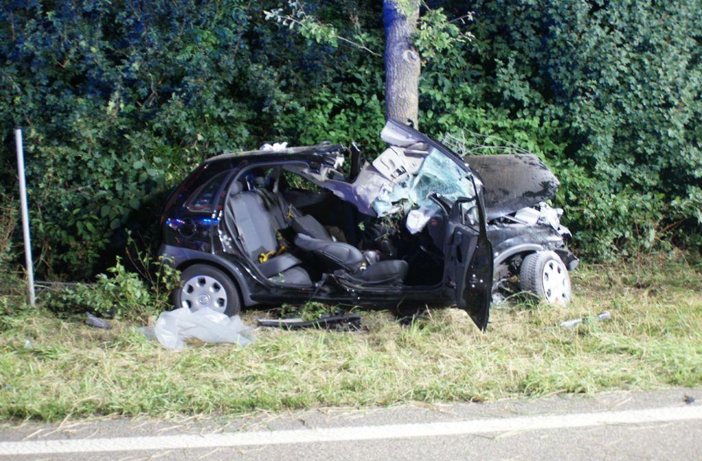 Der 22-Jähriger wurde bei dem Unfall lebensgefährlich verletzt. Foto: SDMG