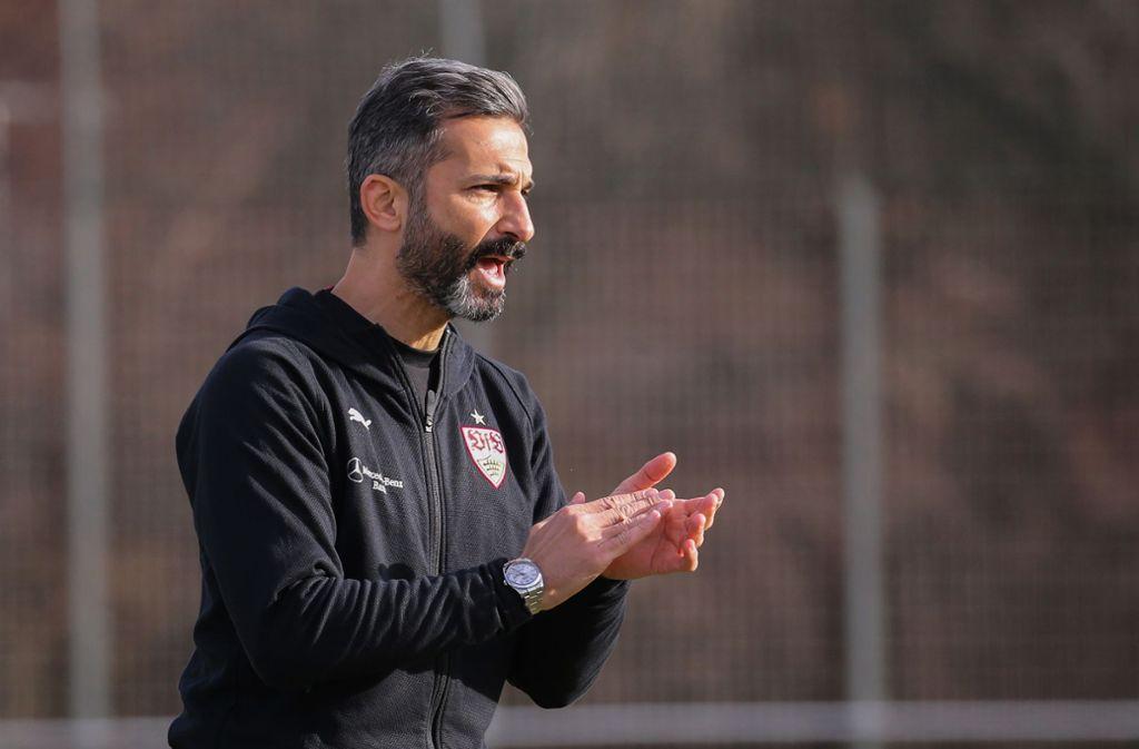 U17-Trainer Murat Isik musste sich gegen Karlsruhe mit einem torlosen Unentschieden begnügen. Foto: Pressefoto Baumann/Julia Rahn