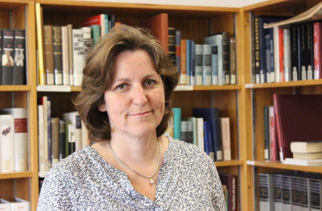 Die Lehrerin Birgit Anschütz hat die Geschichte des Fanny-Leicht-Gymnasiums zur NS-Zeit aufgearbeitet. Foto: Rebecca Beiter