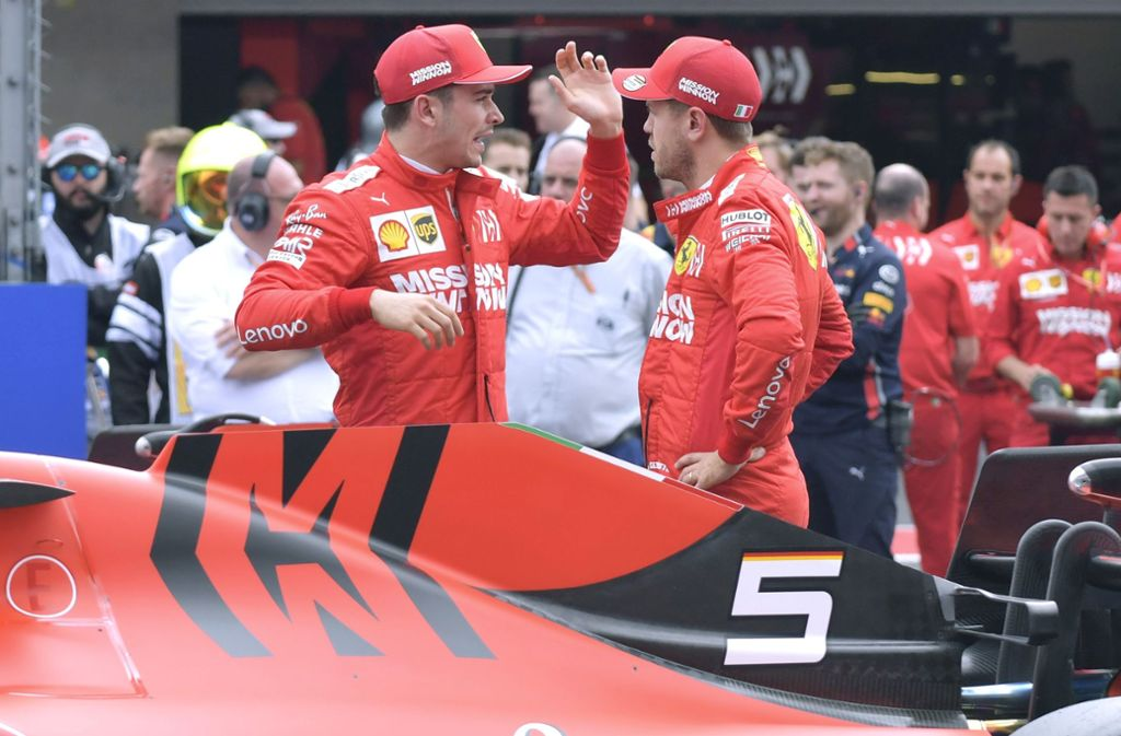 Sie haben Redebedarf: Charles Leclerc (links) und Sebastian Vettel Foto: imago/Laci Perenyi