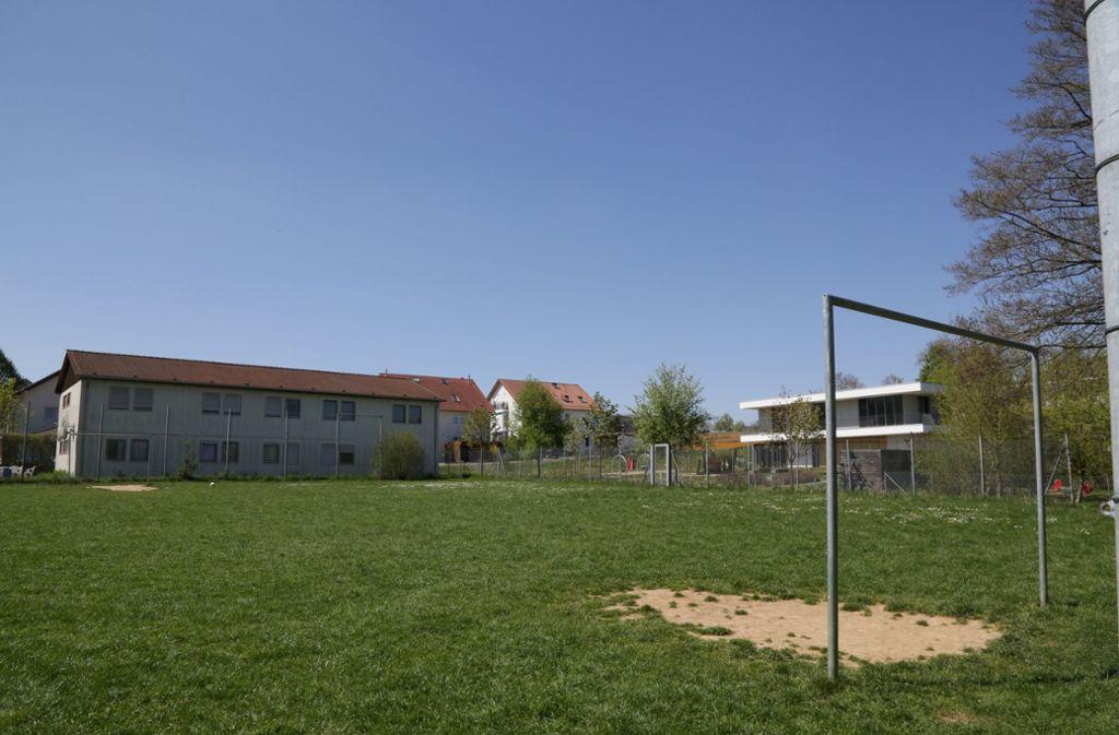 Ein großzügiger Bolzplatz geht für neue Sozialstation teilweise verloren. Foto: Patricia Sigerist
