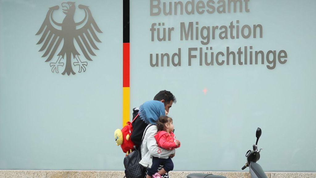 Hinweise auf manipulierte Asylbescheide lagen lange vor