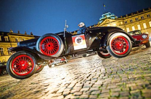 Besitzer historischer Wagen für Nachtfahrten gesucht