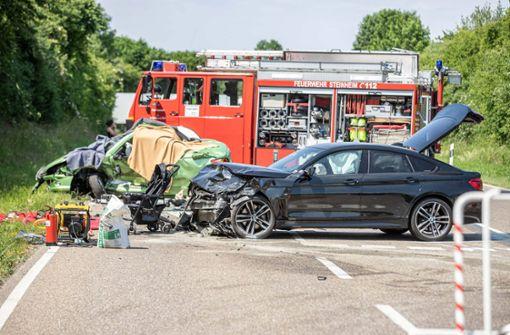 Autofahrer stirbt an Unfallort