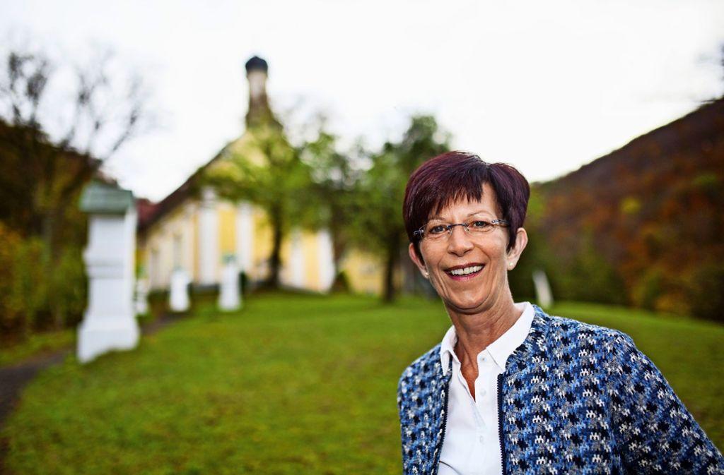 Birgit Gairing hatte auch vor ihrem Einstieg als Wallfahrtssekretärin häufiger mit der Wallfahrtskirche Ave Maria zu tun. Foto: /Ines Rudel