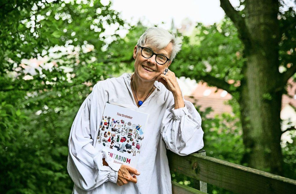 """Tina Strohekers neues Buch """"Inventarium"""" ist eine poetische Autobiografie und zeichnet das Bild einer ganzen Generation. Foto: Ines Rudel"""