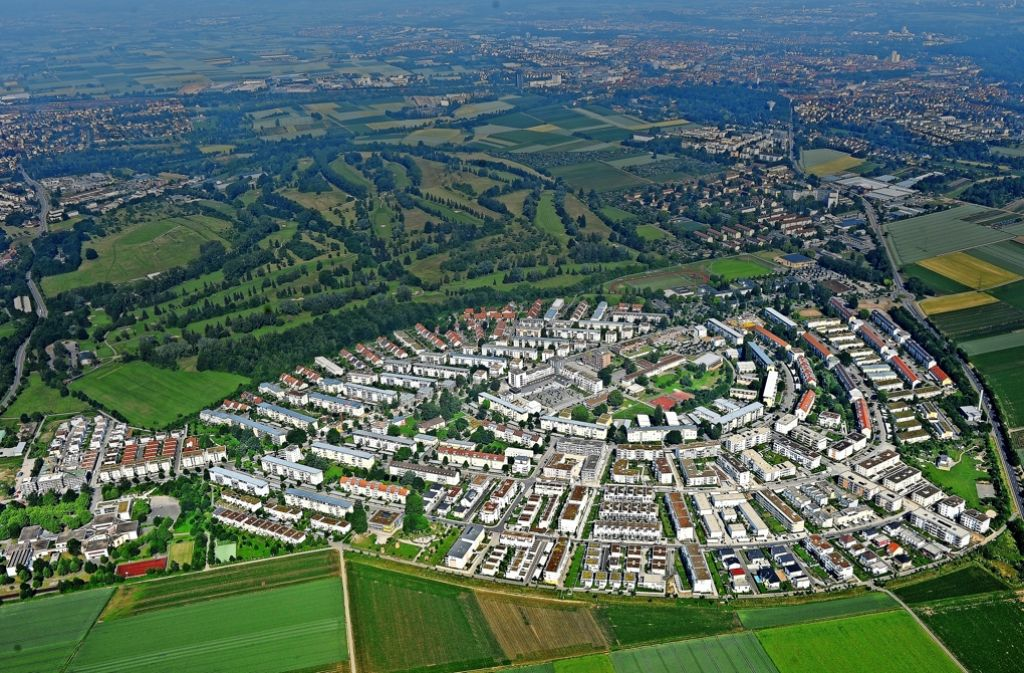Der gemeinsame Stadtteil von Remseckund Kornwestheim soll neue Regeln bekommen. Foto: Werner Kuhnle