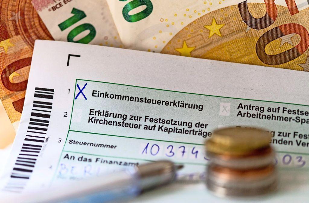 Die Frist für die Einkommenssteuererklärung läuft ab. Im Zweifel kann man sie verlängern. Foto: picture alliance/dpa