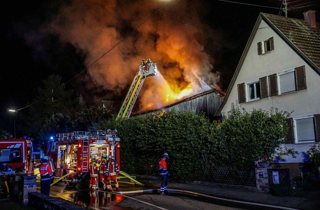 Das Haus in Sielmingen ist nach dem Brand nicht mehr bewohnbar. Foto: SDMG