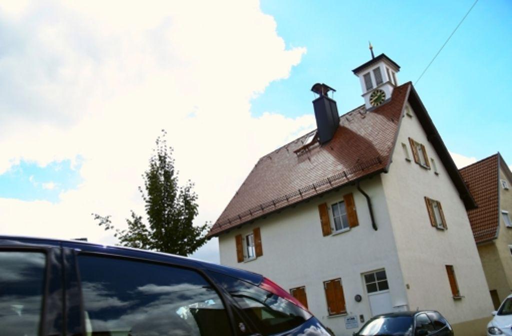 Seit einigen Wochen steht der erste Stock der Alten Schule an der Schempp Foto: Archiv Rüdiger Ott