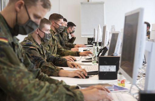 Gesundheitsämter ringen um Personal –  Bundeswehr springt ein