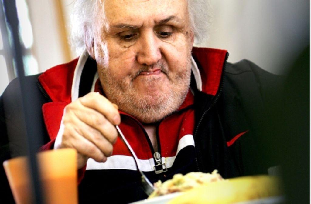 Bei Evas Tisch gibt es das ganze Jahr über ein warmes Mittagessen. Auch wenn die Vesperkirche auf hat, bleibt das Angebot geöffnet.  Archivfoto:Michael Steinert Foto: