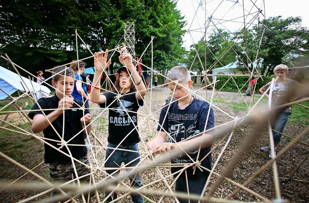Die Kinderspielstadt Ditziput ist beliebt in den Sommerferien. Jedes Jahr steht sie unter einem besonderen Motto – 2019 geht es um Nachhaltigkeit und Umwelt.Thomas Hartlieb leitet den Verein, der Ditziput mit organisiert. Foto: factum/Archiv