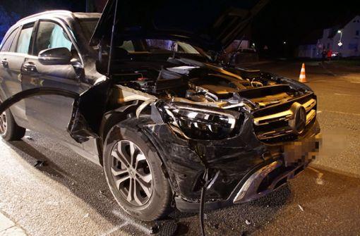 Zwei Schwerverletzte bei Unfall an Kreuzung