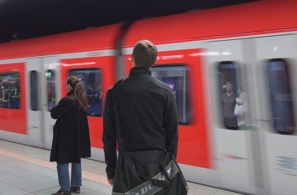 Die S-Bahn stellt den Takt um. Foto: 7aktuell.de//Oskar Eyb