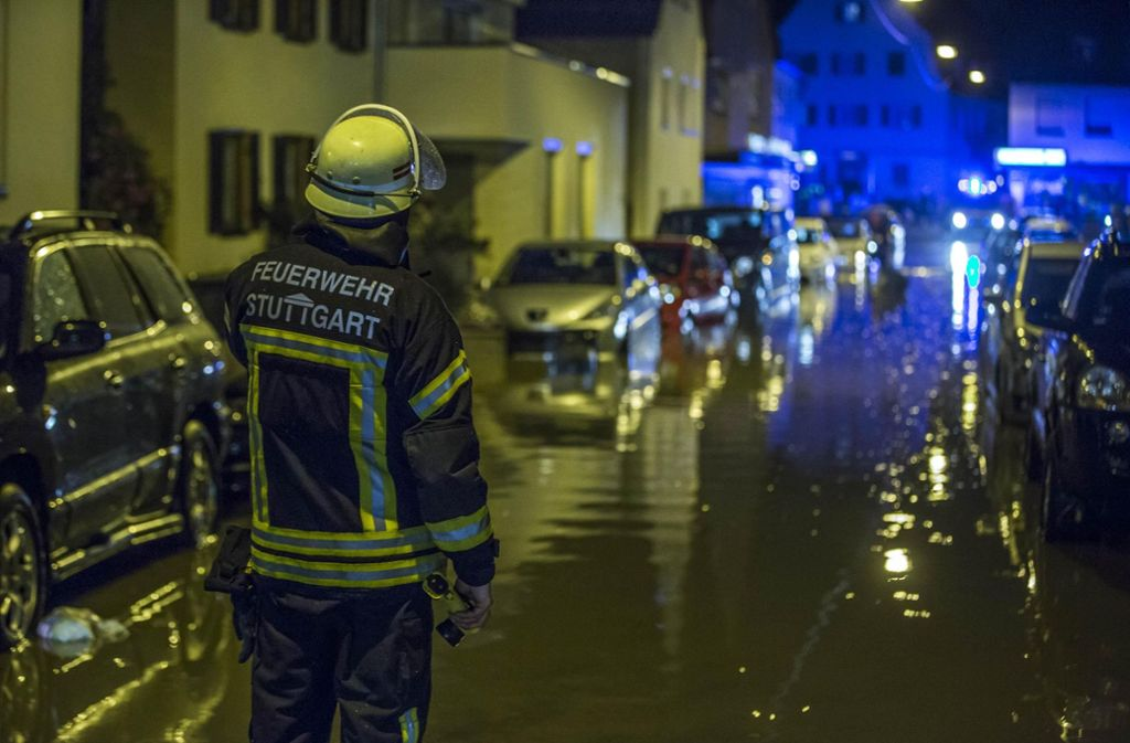 Überflutete Straßen und vollgelaufene Keller – das ist das Ergebnis der Unwetter in Stuttgart und Region. Foto: 7aktuell.de/Simon Adomat
