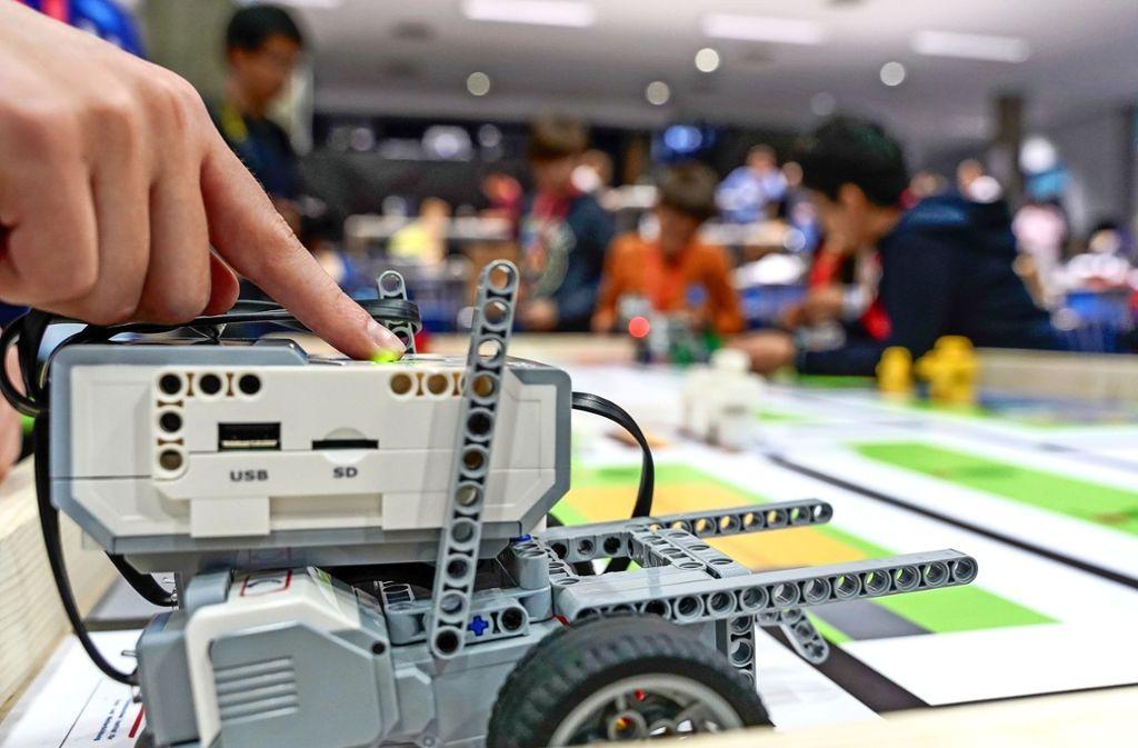 Beim Regionalentscheid der Roboter-Olympiade zeigt sich so manches technische Wunderwerk. Foto: